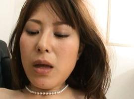 Reika Yoshizawa has juices pouring from twat after big frigging