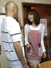 Juri Kitahara housewife is watched by men