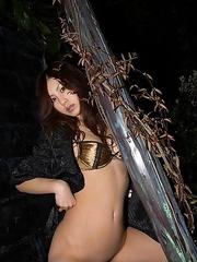 Ryo Shinohara with nude and oiled body takes a night walk